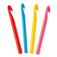 Крючок для вязания пластмассовый №10